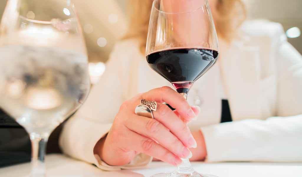 Лечение женского алкоголизма в Чехове анонимно